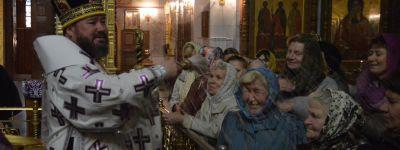 Божественную литургию в Свято-Никольском храме поселка Ивня совершил епископ Губкинский