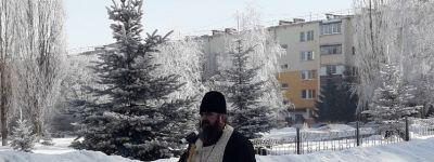 В часовне Георгия Победоносца на городской площади Строителя совершили панихиду по погибшим воинам