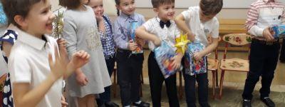 Кукольный спектакль «Лучший подарок» показали в рождественские праздники в православном детском саду «Рождественский» в Белгороде