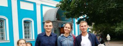 Выпускники воскресной школы при Смоленском соборе навестили родной храм