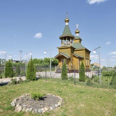 Храм в честь Святого Великомученика Дмитрия Солунского в селе Плота