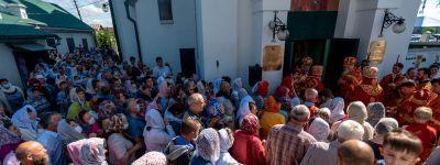 Митрополит Белгородский и Старооскольский Иоанн совершил Божественную литургию в Ильинском храме в Старом Осколе