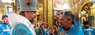 Клирики Преображенского кафедрального собора в Белгороде удостоены богослужебных наград