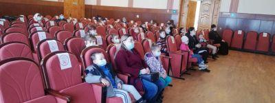Выставку православного журнала «Фома» и фильм о святынях Белогорья обсудили со священником  воспитанники воскресной школы в Новом Осколе