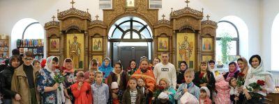 Литургию для детей-инвалидов совершили в храме Святой Блаженной Ксении Петербургской  в Губкине