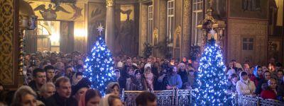 Митрополит Белгородский совершил великое повечерие и утреню в Спасо-Преображенском кафедральном соборе Белгорода