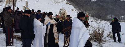 Крестный ход на Крещение совершили в Богородице-Тихвинском женском монастыре