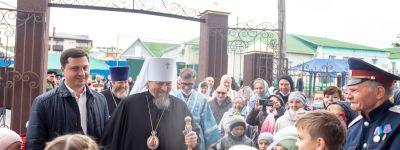 Митрополит Белгородский совершил Божественную литургию в престольный праздник храма Рождества Пресвятой Богородицы в Короче