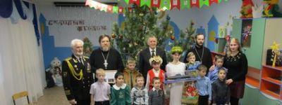 Корочанский благочинный поздравил с Рождеством ребят из Социально-реабилитационного центра в селе Белый Колодец