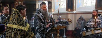 Епископ Валуйский совершил Пассию в храме святителя Николая Чудотворца в Валуйках