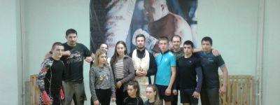 Молебен в клубе смешанных единоборств «Боевая Русь» отслужили в День православной молодёжи в Прохоровке