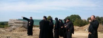 Богородице-Тихвинский монастырь посетили московские гостьи-монахини