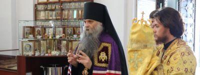 Епископ Валуйский совершил праздничную литургию в кафедральном соборе епархии