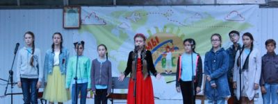 Ансамбль из белгородского Смоленского собора дал концерт для онкобольных детей на Архиерейском подворье