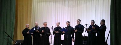 В день памяти Святителя Николая в Валуйках выступил мужской хор Белгородской митрополии