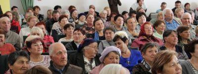 Отец Александр в День пожилого человека пожелав старшему поколению валуйчан взаимопонимания с детьми и внуками