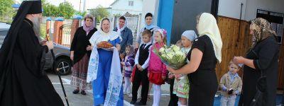 Божественную литургию в Успенском храме села Ливенка совершил епископ Валуйский