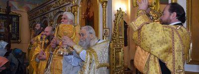 Соборное служение старооскольских священников со схиархимандритом Илием (Ноздриным) состоялось в церкви Рождества Христова
