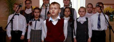 Красивые песни о весне, маме, Родине и Святой Пасхе исполнили грайворонские школьники в День Жён-мироносиц