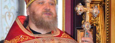 Глава администрации Старооскольского городского округа  и православные гимназисты поздравили отца Алексея с днём рождения
