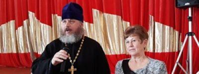 В Ольшанке в День православной молодёжи батюшка рассказал школьникам о таинствах веры