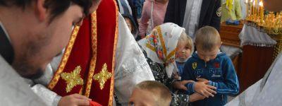 Епископ Губкинский совершил Божественную литургию в Михайловском храме в Архангельском