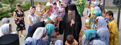Валуйский епископ совершил Божественую литургию в храме села Засосна