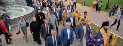 Белгородский губернатор лично открыл православную благотворительную акцию «Белый цветок»