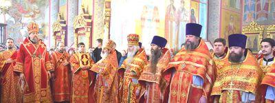 Митрополит Белгородский совершил в Старом Осколе литургию в престольный праздник кафедрального собора Александра Невского