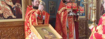 Ректор Белгородской семинарии возглавил служение Всенощного бдения и Божественной Литургии в семинарском храме святителя Иннокентия