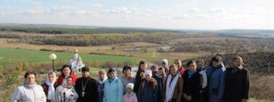 Коллектив новооскольского детского сада совершил паломническую поездку в Свято-Троицкий Холковский мужской монастырь