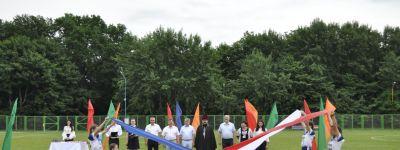 Настоятель Спасо-Преображенского кафедрального собора поздравил юных жителей страны «Лесная сказка» с началом смены