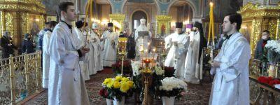 Чин отпевания прихожанки, верной Спасо-Преображенскому кафедральному собору с момента установки закладного камня, совершили в Губкине