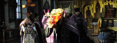 Чин выноса Креста Господня совершили в Спасо-Преображенском соборе в Губкине
