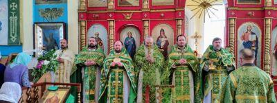 Совместную литургию совершило в Духов день духовенство Ровеньского благочиния
