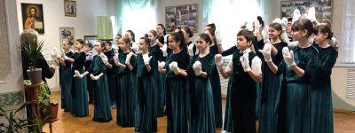 Сводный хор воскресной школы белгородского Смоленского собора готовится к выступлению на международном чемпионате хоров в Санкт-Петербурге
