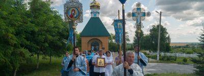 Крестный ход прошел в Сретенском храме села Лапыгино
