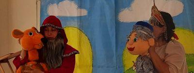 Воронежский театр кукол «Конфетти» показал спектакль «Иван Царевич и Серый Волк» в православном школьном лагере в Старом Осколе
