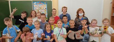 Мастер-класс по валянию бус провели для воспитанников православного школьного лагеря «Ковчег»
