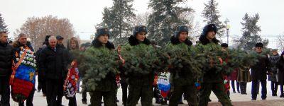Бирюченский благочинный отслужил заупокойную литию по солдатам Красной Армии, погибшим при освобождении города