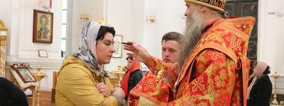 Епископ Валуйский совершил Всенощное бдение в Свято-Николаевском кафедральном соборе накануне Антипасхи