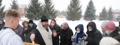 Литургию в посёлке Прохоровка совершил в навечерие епископ Губкинский