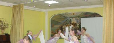 Отличникам белгородской православной гимназии вручили Похвальные грамоты