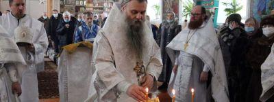 Крещение Господне епископ Валуйский встретил в кафедральном соборе в Валуйках, а навечерие  – в Успенском храме в Волоконовкке
