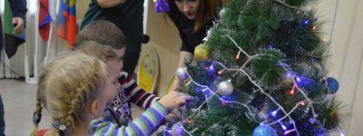 Настоятель Митрофановского храма приветствовал открытие фестиваля творчества детей-инвалидов «Подари улыбку» в Бирюче