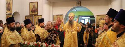 Епископ Валуйский совершил литургию в храме Иоанна Златоуста в Валуйках