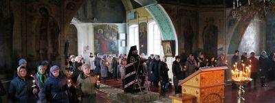 Епископ Губкинский совершил чтение Великого покаянного канона преподобного Андрея Критского в Михайловском храме в селе Тёплый Колодезь
