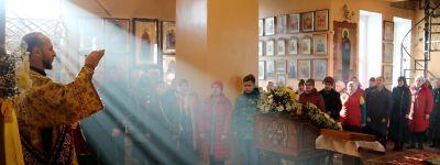 Епископ Валуйский совершил Божественную литургию в Покровском храме в Вейделевке