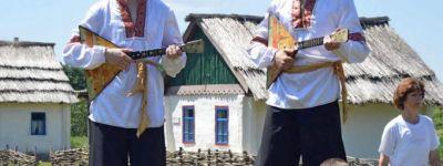 Фестиваль воскресных школ Губкинской епархии «Ручейки Добра» прошёл в этнокультурной деревне Кострома
