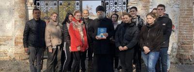 Валуйские студенты побывали в возрождаемом Николо-Тихвинском женском монастыре в Пятницком